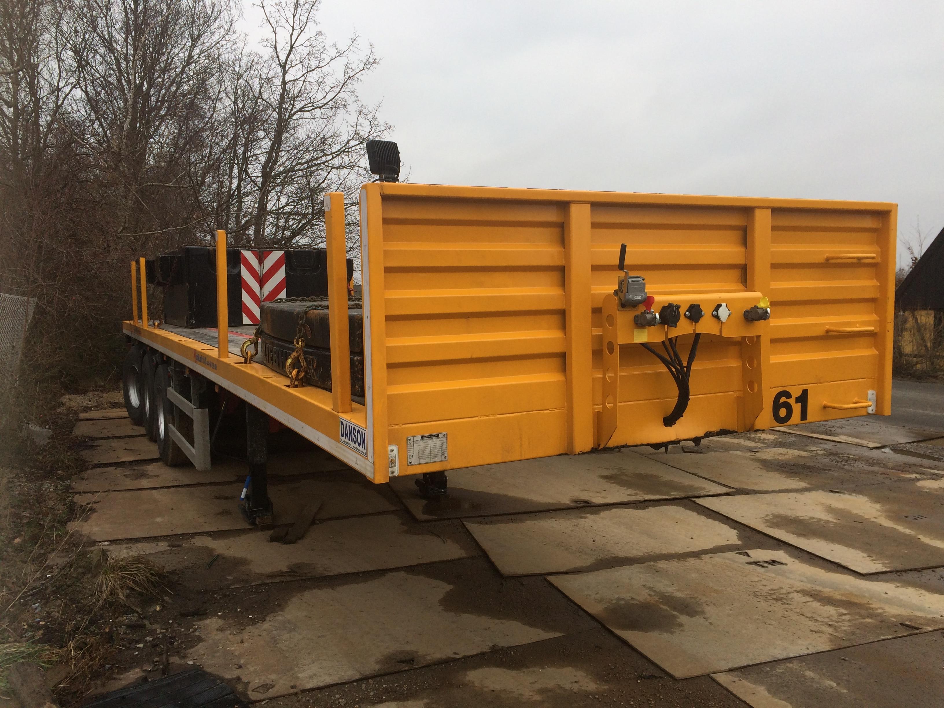 3-aks.-blokvognstrailer-med-32tons-ballast-lad-61
