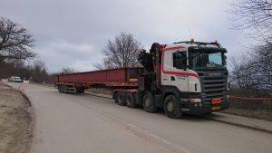 entreprenrkrsel-vogn-16-med-trailer-74-krsel-af-stlbjlker-983632_10208067149024069_8483648932571566267_n